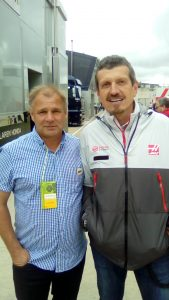 Brian Rollinson with Gunther (F1 Hanss Team Principal)